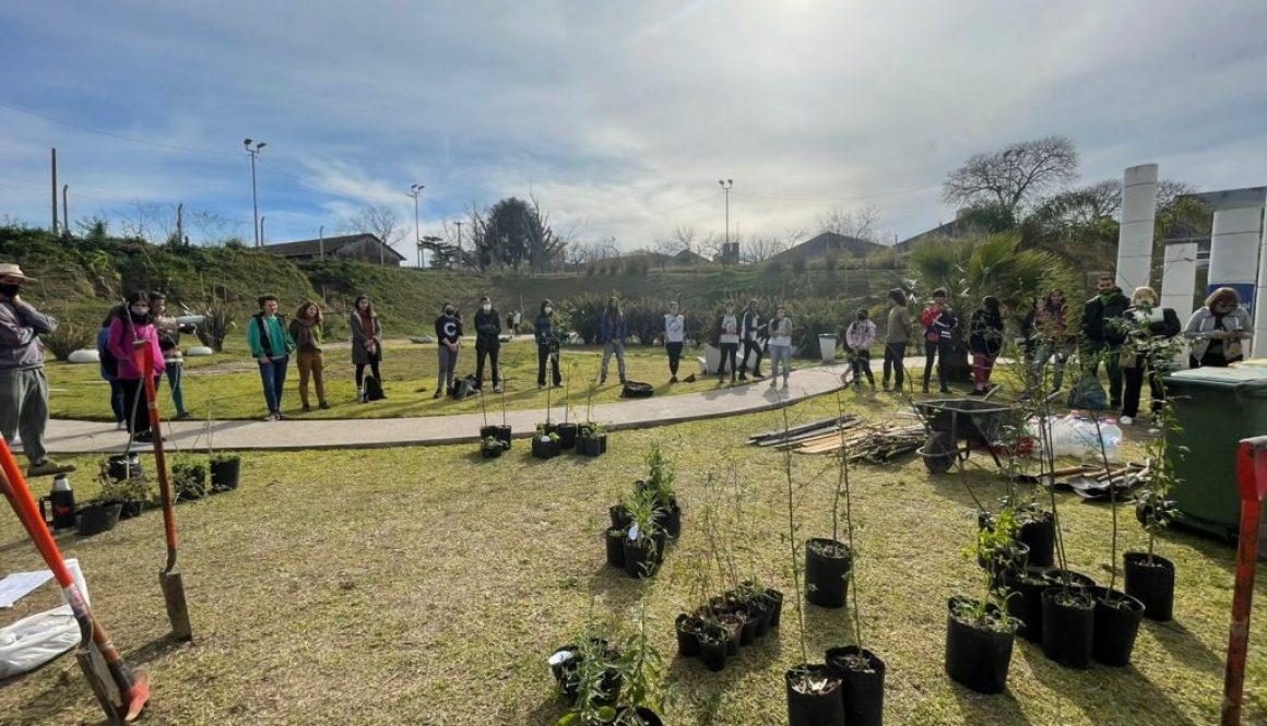 Plantación Plaza Retén 28/08